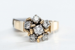 0.90ct TDW gold and diamond ring