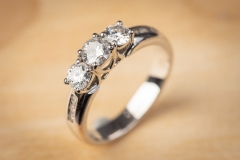 18ct gold & diamond ring by Machael Hill